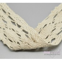 2 m cream colored lace in cotton-5 cm